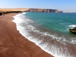 Playa Roja Paracas tour