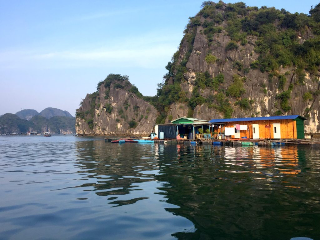 xinh floatting house