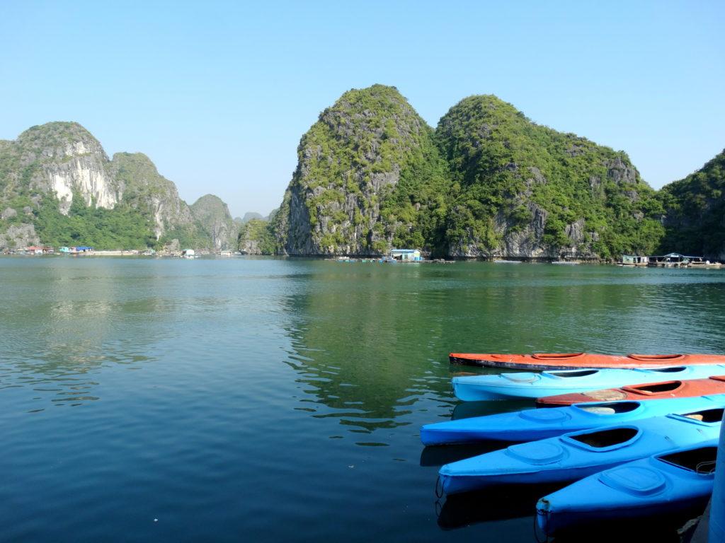 lan ha bay canoe