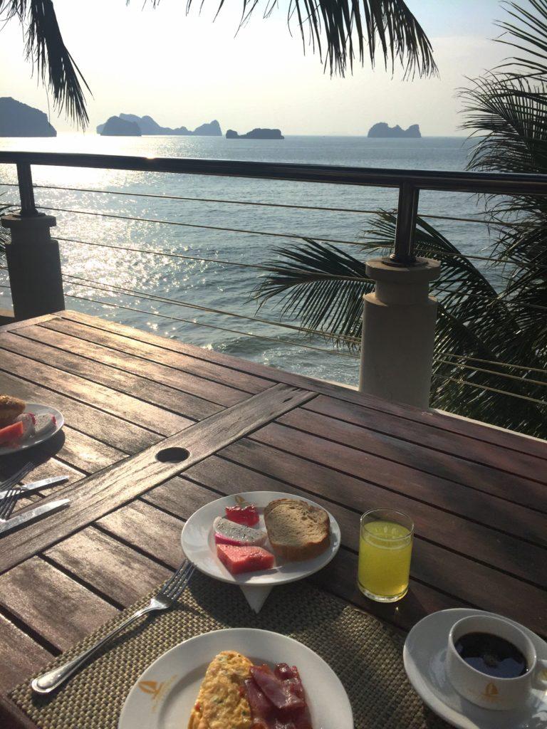 petit déjeuner cat ba island